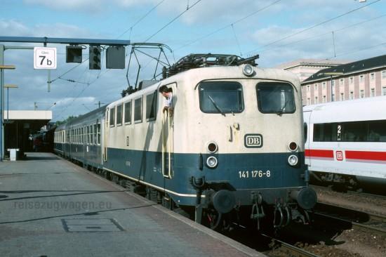141 176-8 Mannheim Hbf 9.10.1993