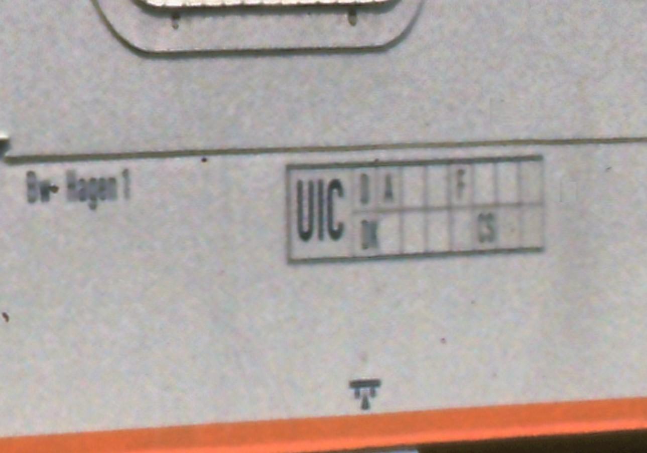 http://www.reisezugwagen.eu/wp-content/uploads/218-145-UIC1.jpg
