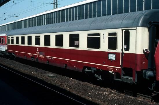 Avmz 111 61 80 19 - 95 035-0 Essen 18.6.94 1011